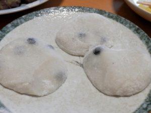 丸めた豆餅